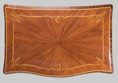 Tavolino a scrittoio da centro visto dall'alto