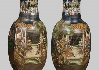Coppia di grandi vasi in terracotta