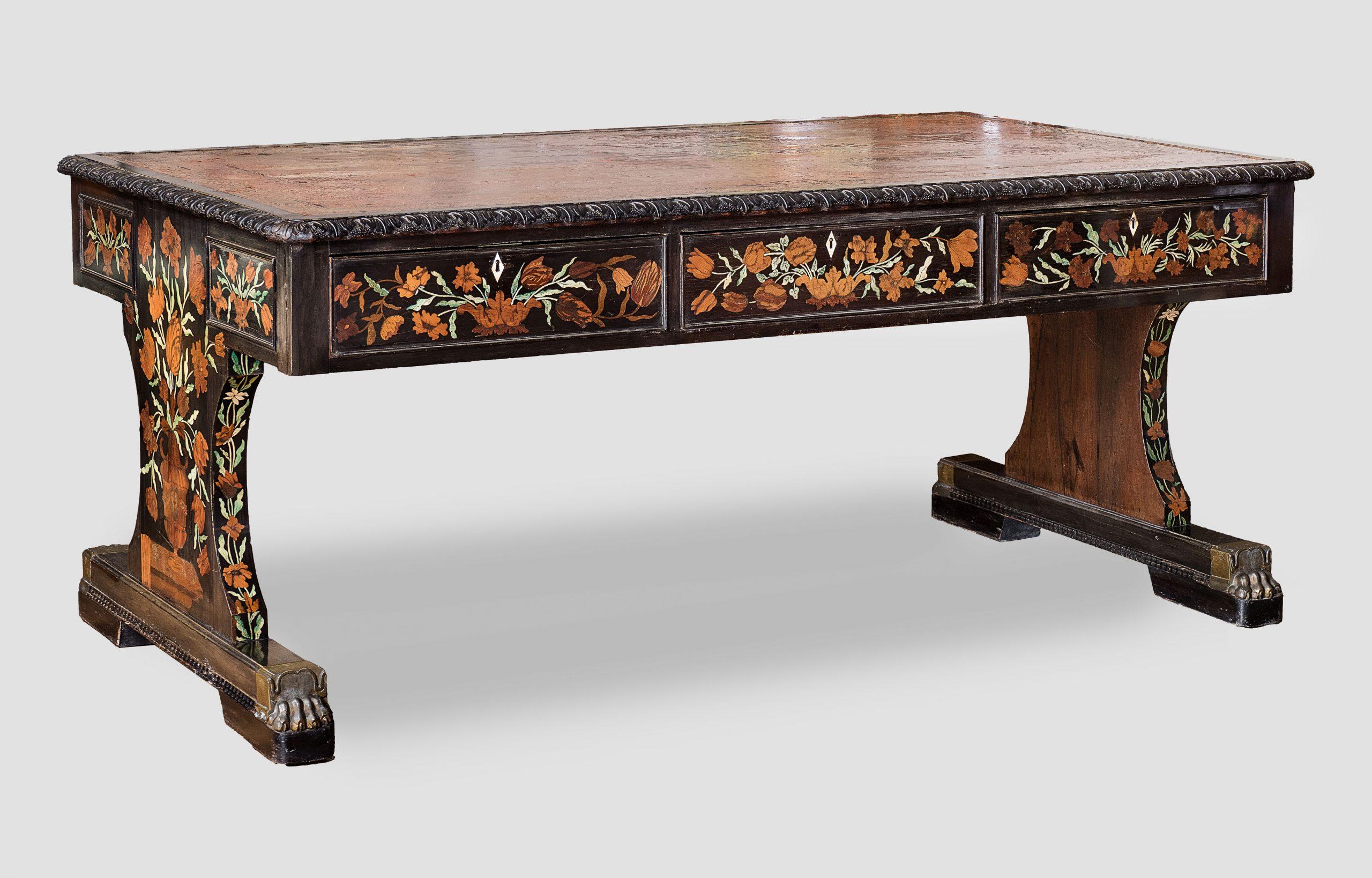 Tavolo inglese a scrivania