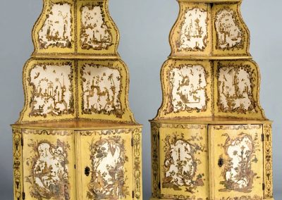 A PAIR OF LACQUERED CORNER CUPBOARD